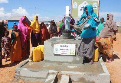 Somalili Kardeşlerimiz için Su Kuyusu